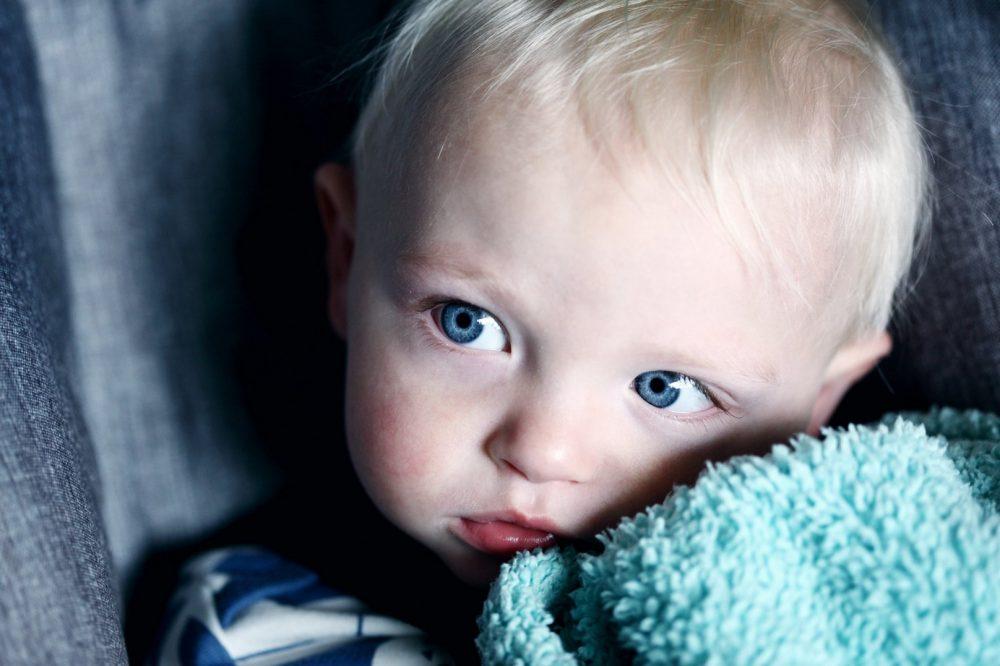 Дитина в автокріслі