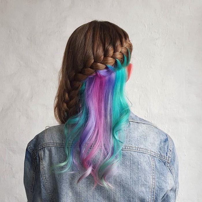 Цветные пряди в волосах