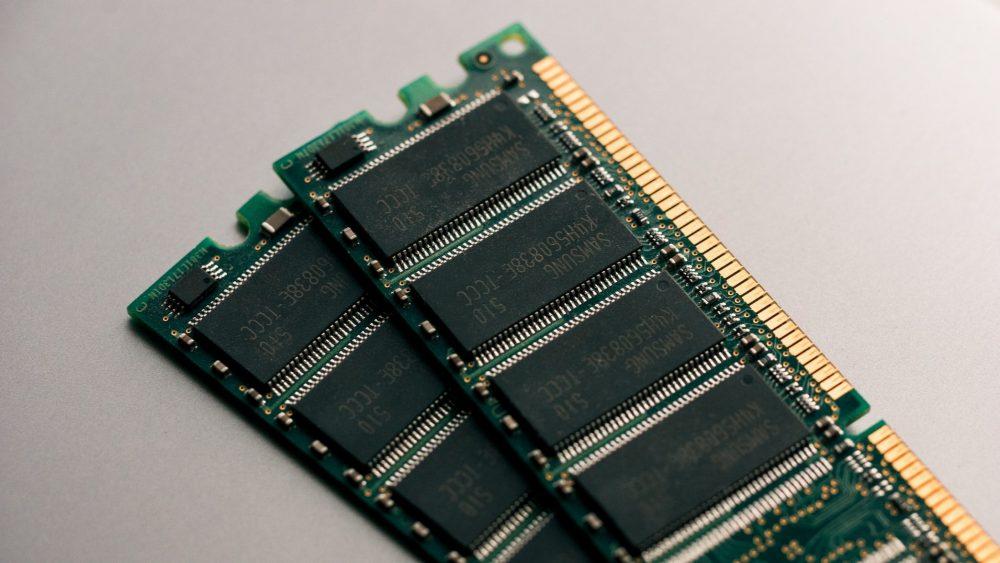 Планки RAM без радиаторов