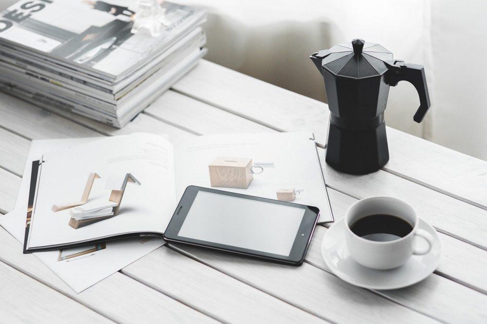 Натуральный кофе в гейзерной кофеварке