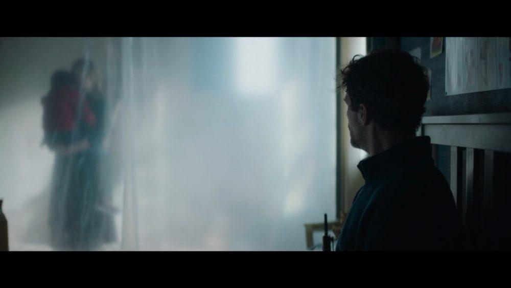 """Кадр из фильма """"Я слышу голоса"""