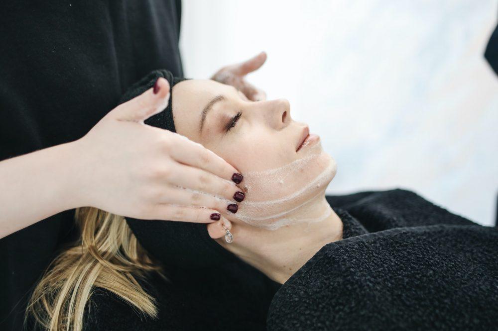 Крем для шкіри обличчя взимку
