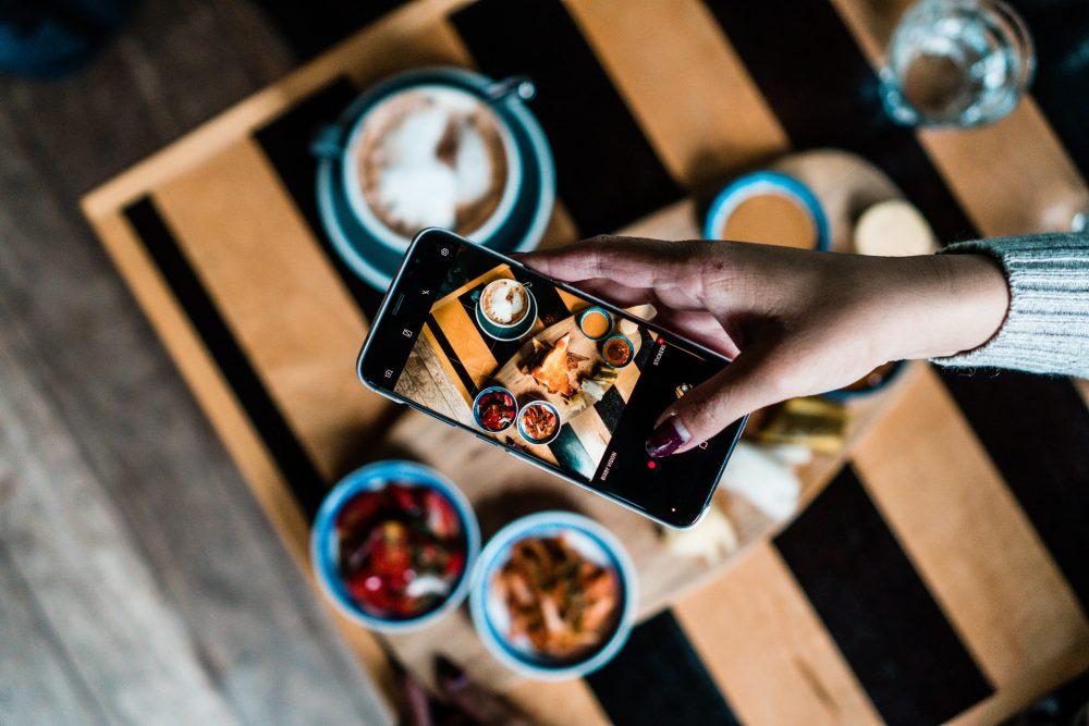 Как скинуть фотографии с Айфона на ноутбук
