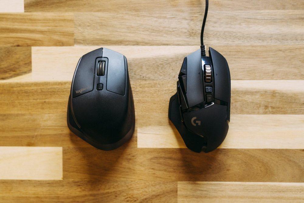 Провідна і безпровідна геймерская миша