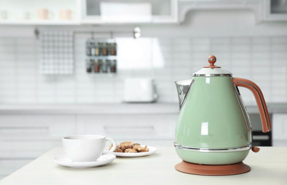 Як почистити чайник