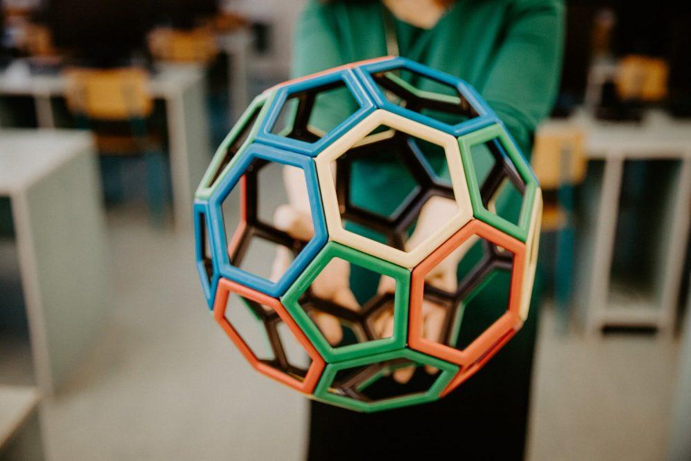 Трехмерная геометрическая фигура из 3D принтера