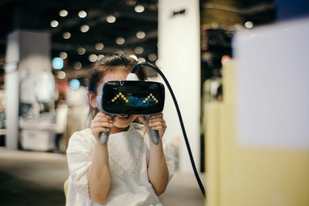 Окуляри віртуальної реальності для дитини