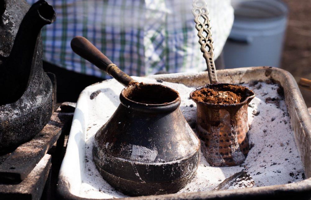 Турка для кофе на песке