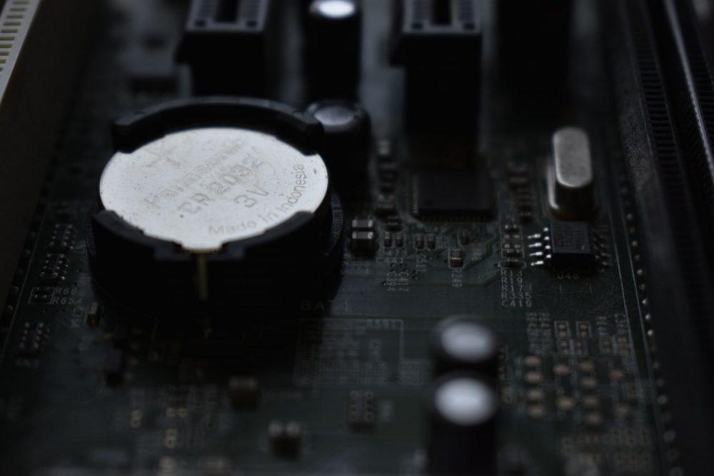 Батарейка харчування CMOS на материнці