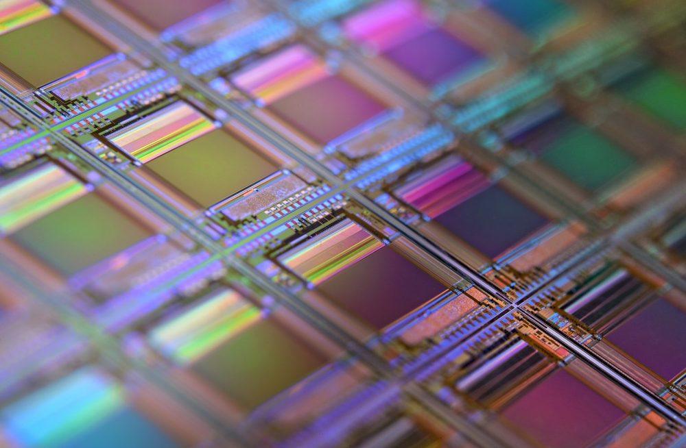 Макроснимок кремниевой пластины