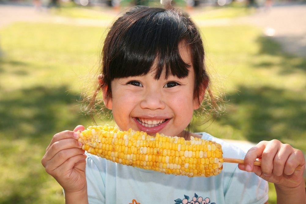 Вкусная кукуруза в початках