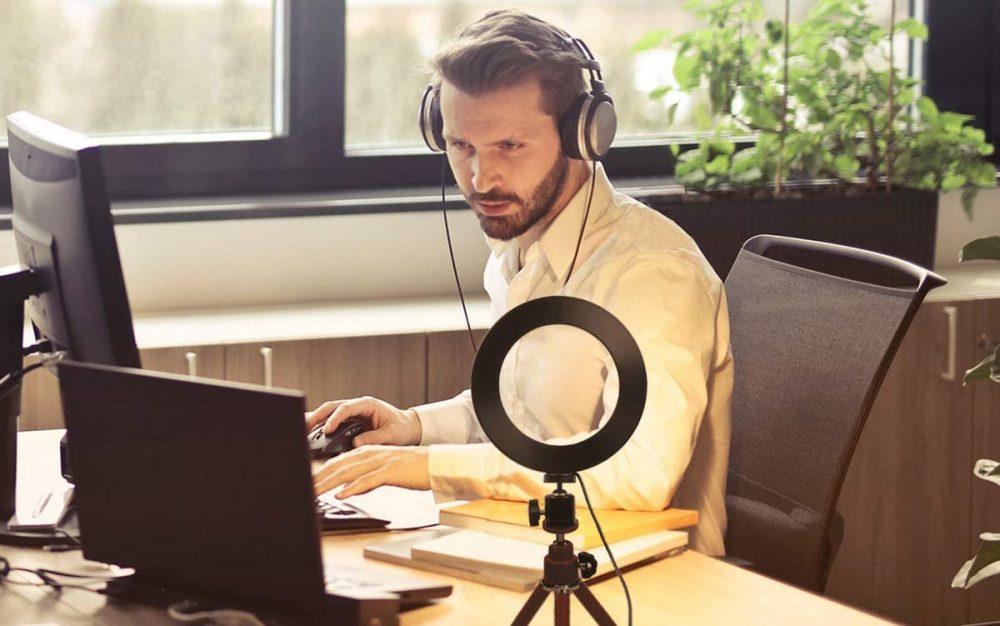 Кільцева лампа для блогера