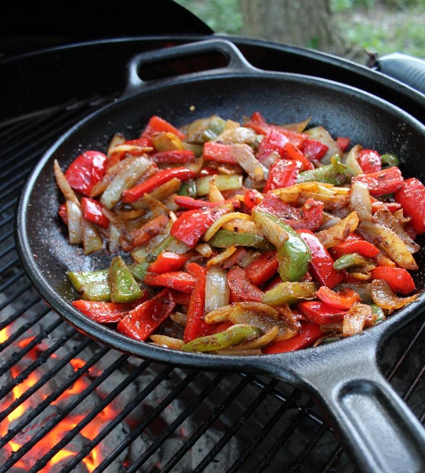 Овочі на сковороді гриль