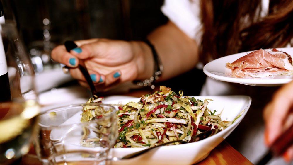 Овочевий салат з сиром