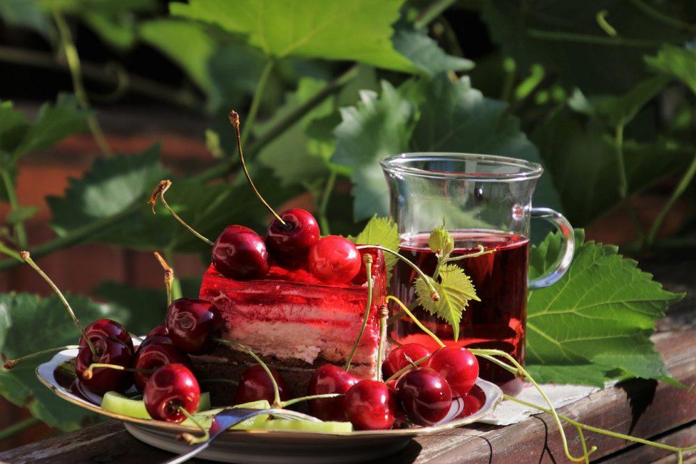 Компот из свежей вишни