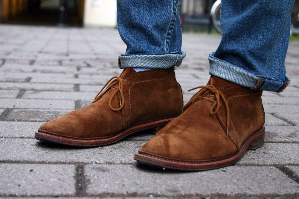 Как разносить замшевую обувь