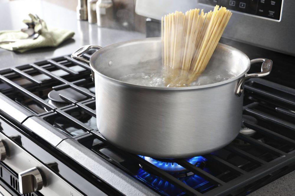 Як вибрати газову плиту для кухні